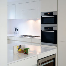 Contemporary Kitchen by TG-Studio