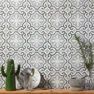 Diseño de cocina minimalista con suelo de terrazo y suelo gris