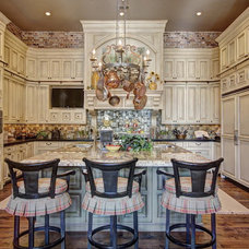 Traditional Kitchen by McMurrey Builders