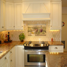 Traditional Kitchen by B&G Home Interiors