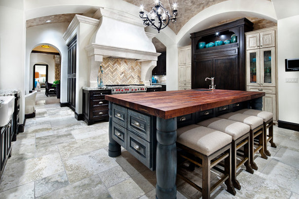 Mediterranean Kitchen by JAUREGUI Architecture Interiors Construction