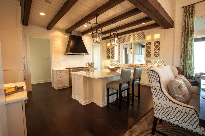 Traditional Kitchen by Geschke Group Architecture