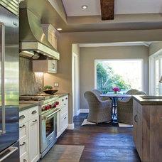 Contemporary Kitchen by Hamilton-Gray Design, Inc.