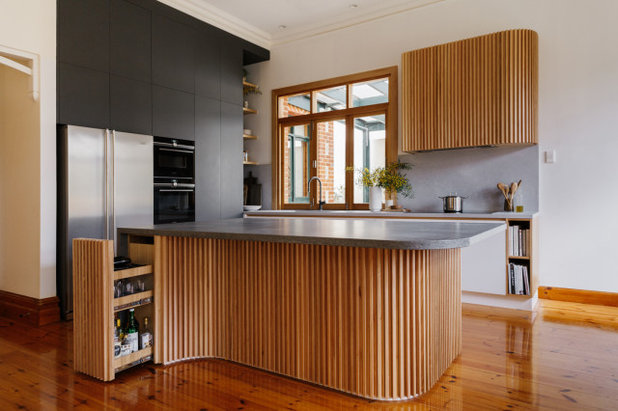 Retro Kitchen by Space Craft Joinery