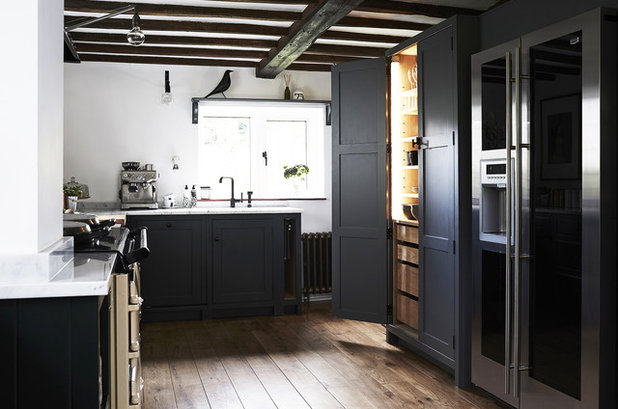 Country Kitchen by Fawn Interiors Studio