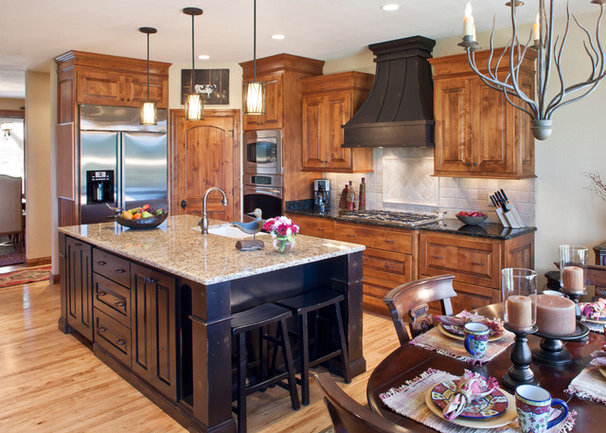 Traditional Kitchen by Carstensen Homes
