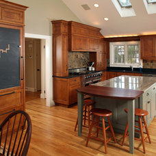 Traditional Kitchen by ARCHIA HOMES