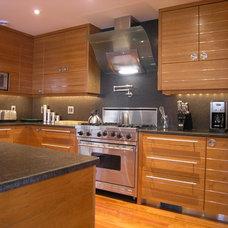 Modern Kitchen by Malcolm Wildeboer - VWArchitects