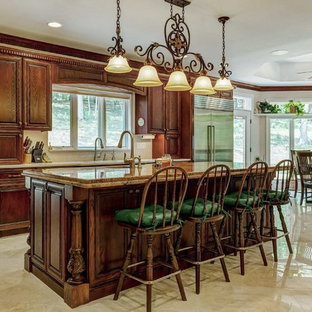 75 Most Popular Traditional Kitchen With Dark Wood Cabinets Design