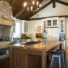 traditional kitchen by Summerour Architects