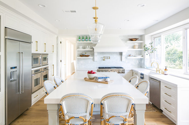 Beach Style Kitchen by Rosewood Interiors