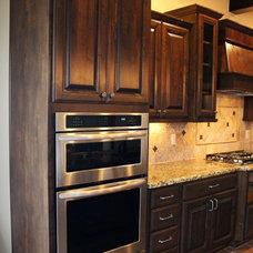 Traditional Kitchen by Desert Development & Design, Corp.