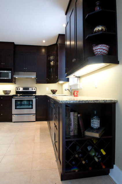 Traditional Kitchen by Luxart Homes