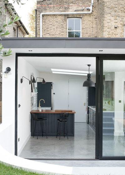 Contemporary Kitchen by deVOL Kitchens