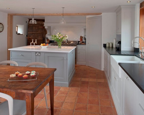 Terra cotta kitchen tile houzz for Terracotta kitchen ideas