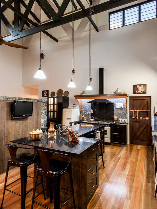 Design Ideas For A Country Kitchen In Brisbane With A Drop In Sink, Dark