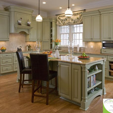Traditional Kitchen by Dynamic Kitchen and Interiors