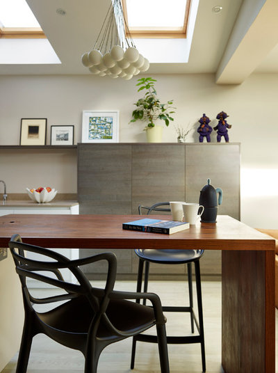 Contemporary Kitchen by Snug Kitchens