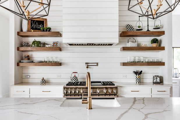 Country Kitchen by Rosewood Custom Builders