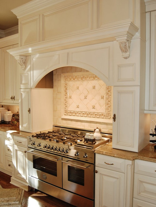 Southern Kitchen Design cabinets Inspiration For A Large Timeless U Shaped Dark Wood Floor Eat In Kitchen Remodel