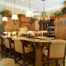 Traditional Kitchen by Art by Anitta