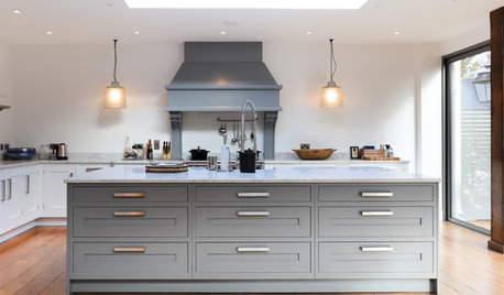 Houzz Tour: A Listed Country Farmhouse With a Modern Edge