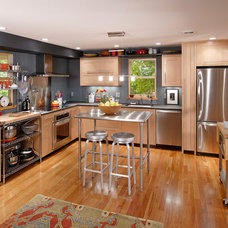 Contemporary Kitchen by Meadowlark Builders