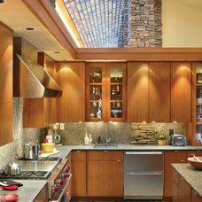 Modern Kitchen by Alan Mascord Design Associates Inc
