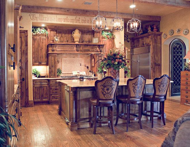 Mediterranean Kitchen by Karyn Dismore Interiors
