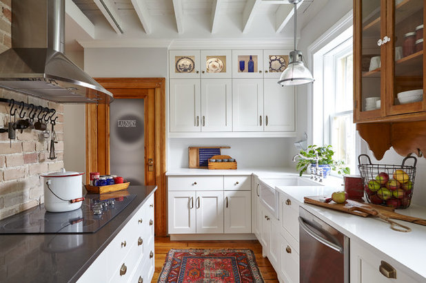 Traditional Kitchen by Square Footage Inc.