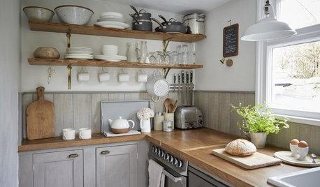 """キッチンのオープン棚で""""見せる収納""""をおしゃれに楽しむコツ"""