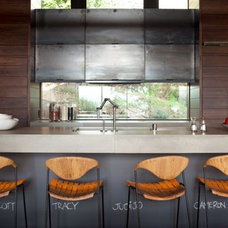 Contemporary Kitchen by SB Architects