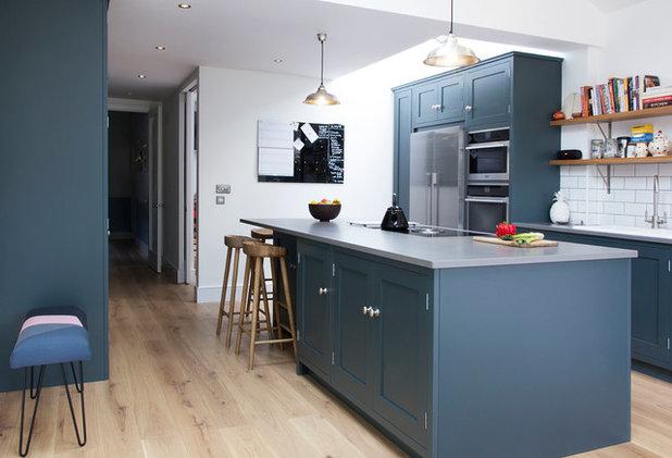 Contemporary Kitchen by Ian Dunn Woodwork & Design
