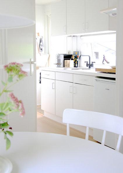 My Houzz: White Interiors Brighten a Dutch Cottage