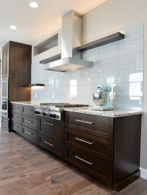 k che mit k chenr ckwand in blau und vinylboden ideen bilder. Black Bedroom Furniture Sets. Home Design Ideas