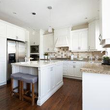 Traditional Kitchen by Nest Design Studio