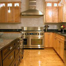 Contemporary Kitchen by Beacon Architecture & Design