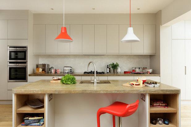 Современный Кухня by Cue & Co of London