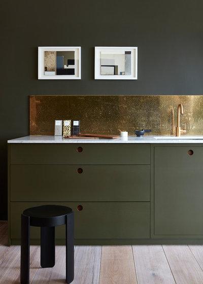 Modern Küche by Naked Kitchens