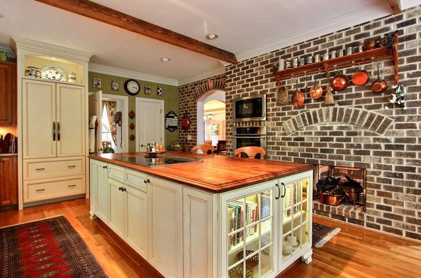 Traditional Kitchen by Dean Sebastian, Jamestown Designer Ktichens