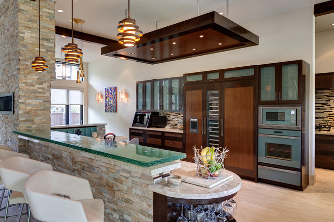 Contemporary Kitchen by Charles Todd Helton, Architect