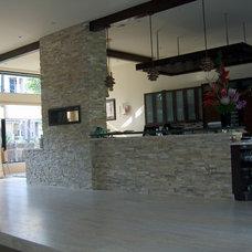 Modern Kitchen by Charles Todd Helton, Architect