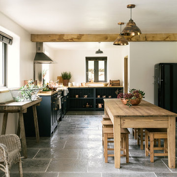 The Leicestershire Kitchen in the Woods by deVOL
