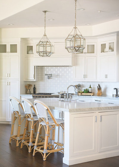Beach Style Kitchen by Beach Bungalow Designs