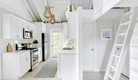 Houzz Tour: Small Space Living in a Chic Coastal Cottage