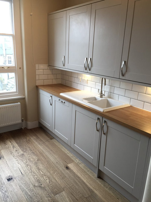 Houzz small victorian kitchen design ideas remodel for Small victorian kitchen designs