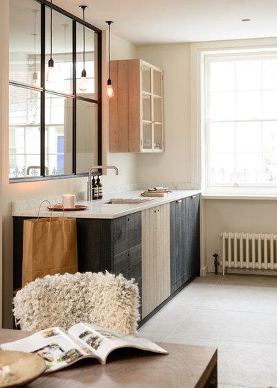 Modern-rustikal: Küchen-Makeover mit sägerauer Rotbuche