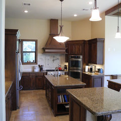 traditional kitchen by Charles Todd Helton, Architect