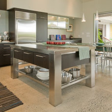 modern kitchen by Archipelago Hawaii Luxury Home Designs