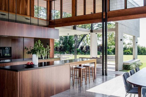 Modern Kitchen by Kalka